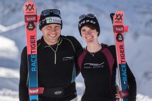 Lucien und Noemi mit Engel Sports Skiunterwäsche und Völkl Ski